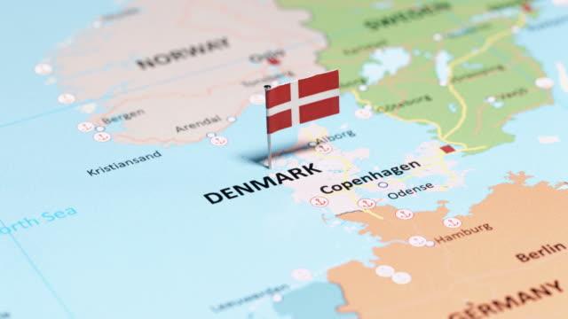 vídeos y material grabado en eventos de stock de dinamarca con bandera nacional - danish flag