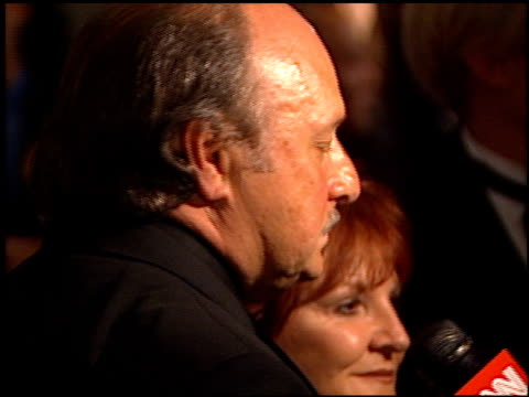 vídeos de stock e filmes b-roll de dennis franz at the american cinematheque honors nicolas cage at the beverly hilton in beverly hills california on october 28 2001 - cinemateca americana