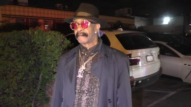 interview dennis graham talks about his new music outside delilah nightclub in west hollywood in celebrity sightings in los angeles - celebrity sightings stock-videos und b-roll-filmmaterial