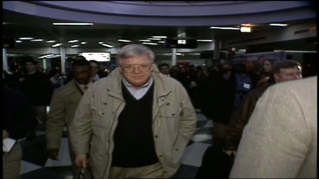 wgn dennis hastert in chicago's o'hare airport after learning he was elected speaker of the house in january 1999 - speaker of the house stock videos and b-roll footage