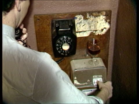 stockvideo's en b-roll-footage met police believe missing man kenneth james ockenden may be victim england london kings cross hotels in street zoom ms john underwood sof on the 3rd of... - crime and murder
