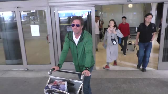 Dennis Quaid arriving at LAX Airport in Los Angeles Celebrity Sightings on May 12 2016 in Los Angeles California