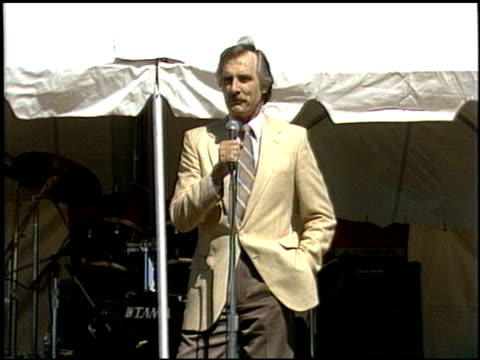 dennis weaver at the 1986 taste of la event at santa monica civic auditorium in santa monica california on january 1 1986 - santa monica stock videos & royalty-free footage