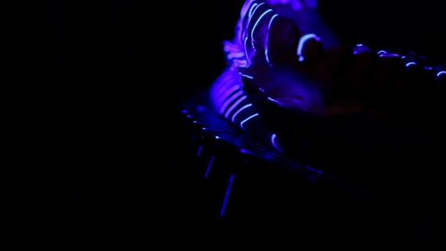 vídeos de stock, filmes e b-roll de varredura dental do laser - brace
