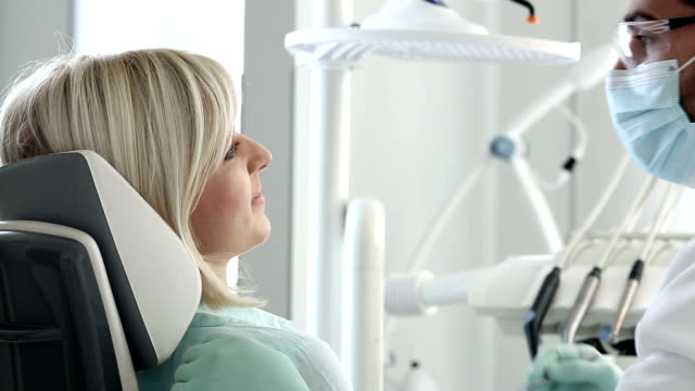 dental verfahren - zahnpflege stock-videos und b-roll-filmmaterial
