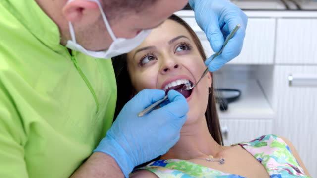 CINEMAGRAPH: Dentist