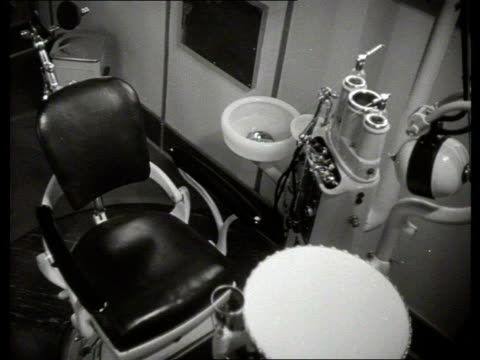 1949 B/W Dentist's practice set up in an articulated truck / Netherlands