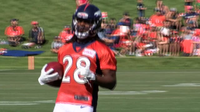 Denver Broncos running back Jamaal Charles practicing with the team on the second day of training camp at the team's practice facility