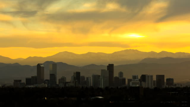 denver usa sunset skyscraper downtown rockies time lapse - colorado stock videos & royalty-free footage