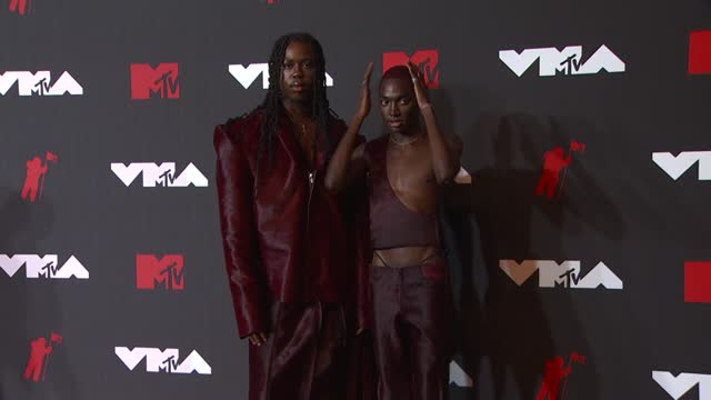 denzel dion and rickey thompson arrive at the 2021 mtv video music awards at barclays center on september 12, 2021 in the brooklyn borough of new... - mtv video music awards stock videos & royalty-free footage