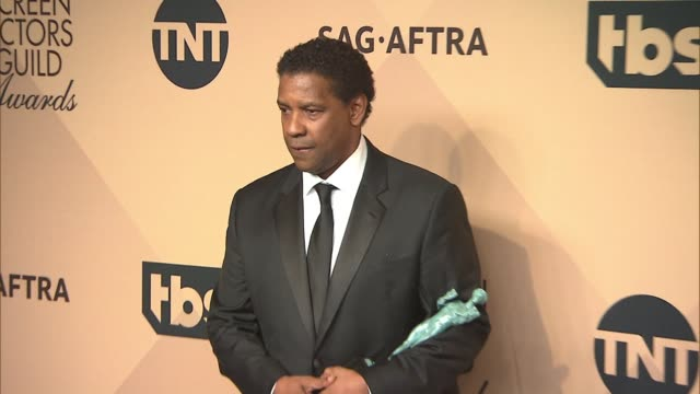 Denzel Washington at 23rd Annual Screen Actors Guild Awards Press Room Photo Room at The Shrine Expo Hall on January 29 2017 in Los Angeles California