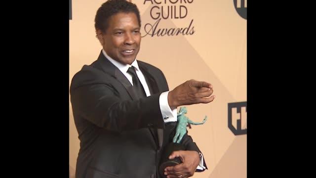 GIF Denzel Washington at 23rd Annual Screen Actors Guild Awards Press Room Photo Room