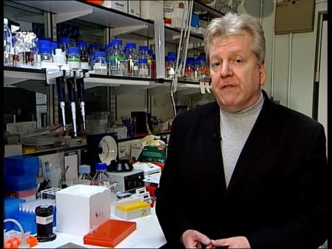 vídeos de stock e filmes b-roll de deodorant cancer scare; itn i/c - desodorante