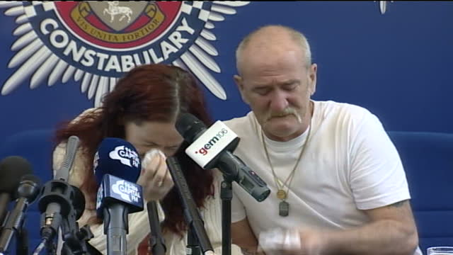 michael philpott press conference / police investigation continues; england: derby: int michael philpott and mairead philpott crying and hugging each... - criminal investigation stock videos & royalty-free footage