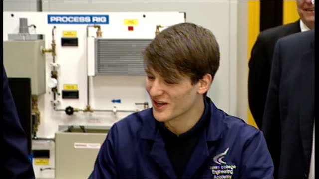 stockvideo's en b-roll-footage met derby college: gordon brown mp meeting engineering student gordon brown mp interview sot - they're leaving people on their own to face a recession,... - adn