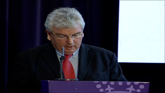 des browne speech 'afghanistan: a comprehensive approach to current challenges'; - the obvious and immediate priority in southern afghanistan is... - 説得点の映像素材/bロール