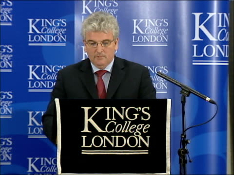 vídeos y material grabado en eventos de stock de des browne speech on nuclear weapons at king's college england london king's college int des browne mp speech sot i am pleased to be giving this... - royal navy college