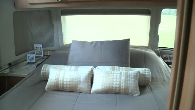 des moines, ia, u.s. - airstream motor home interior, bedrom area on thursday, july 15, 2021. - cosy stock videos & royalty-free footage