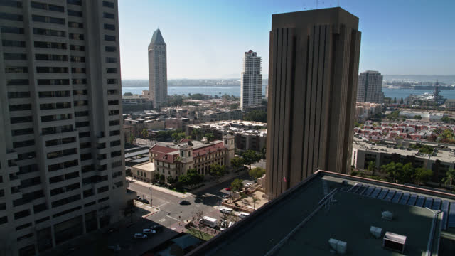 descending drone shot of downtown san diego - san diego stock videos & royalty-free footage