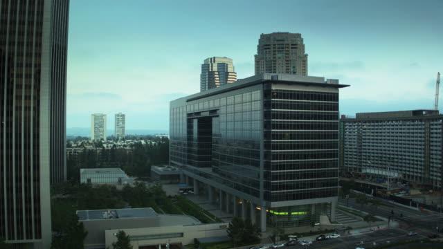 stockvideo's en b-roll-footage met descending drone shot over century plaza, century city, los angeles - century plaza