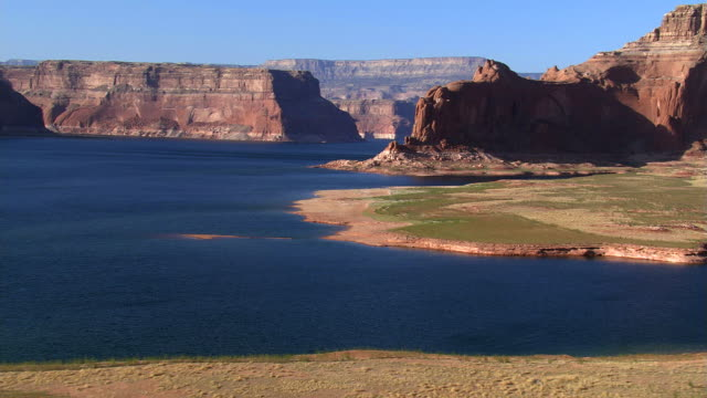descending toward lake powell - lake powell stock videos & royalty-free footage