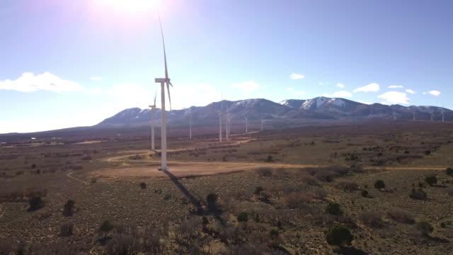 öknen vindkraftverk - remote location bildbanksvideor och videomaterial från bakom kulisserna