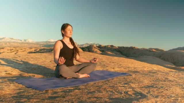 Woestijn Yoga