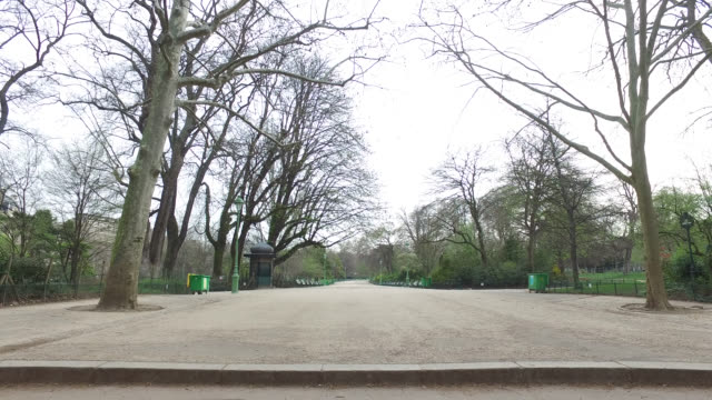 deserted parc monceau in paris president macron announced on monday march 16 that the fight against coronavirus requires national mobilization from... - parc national stock videos & royalty-free footage