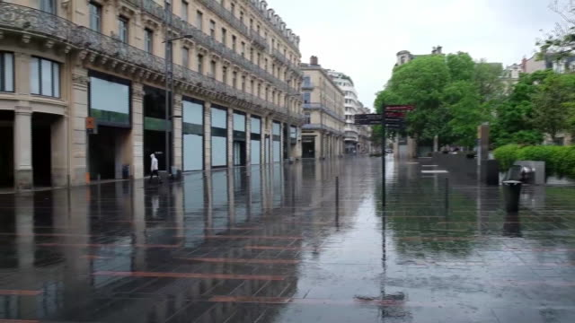 deserted streets during coronavirus lockdown in toulouse, france, on monday, april 27, 2020. - toulouse stock videos & royalty-free footage