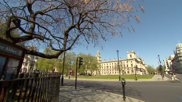 deserted westminster streets outside houses of parliament during lockdown due to the coronaviris pandemic - panning stock videos & royalty-free footage