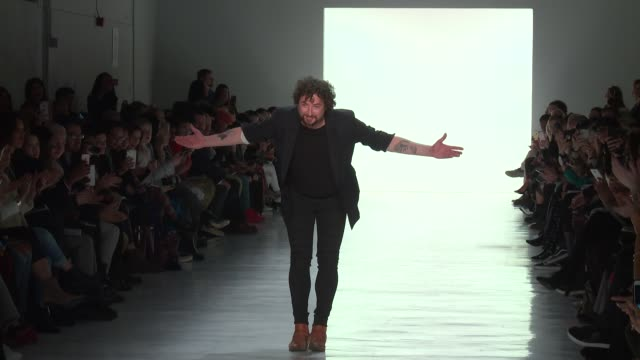 stockvideo's en b-roll-footage met designer marcel ostertag at marcel ostertag february 2017 new york fashion week at skylight clarkson sq on february 12 2017 in new york city - skylight clarkson sq