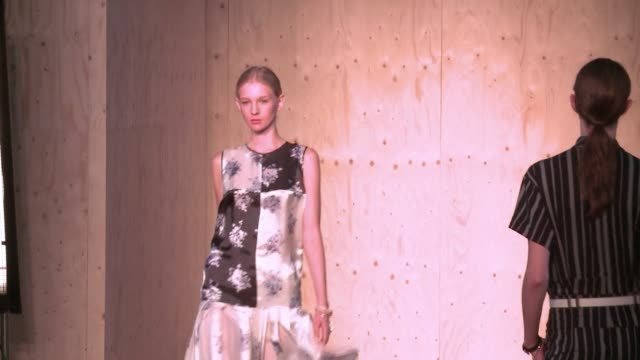 Designer Paul Smith presented a relaxed collection for the modern woman using mainly silk and linnen fabrics during the 2015 Spring / Summer London...
