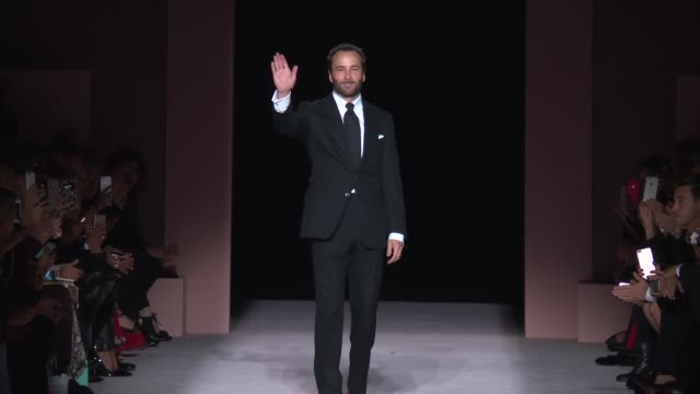 designer tom ford at tom ford new york fashion week spring 2018 at park avenue armory on september 6 2017 in new york city - waffenlager stock-videos und b-roll-filmmaterial
