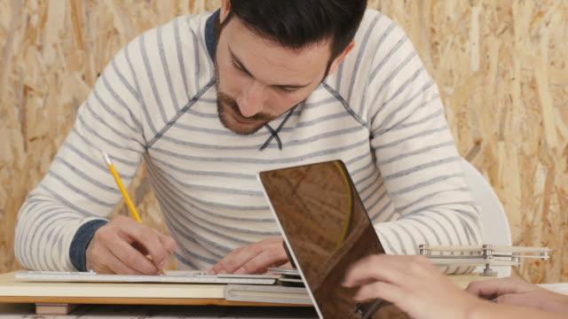 Designer arbeiten im design-studio