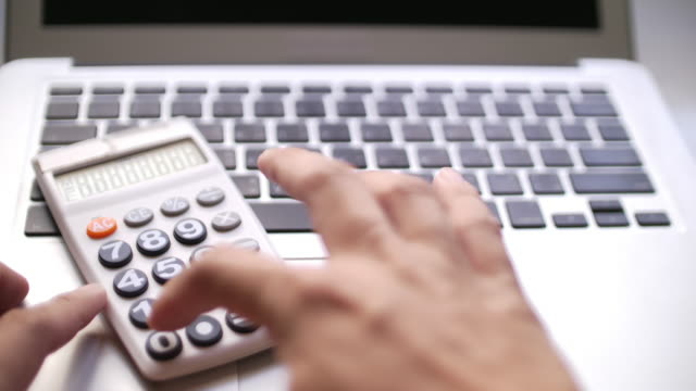 SLO MO Desk calculating data