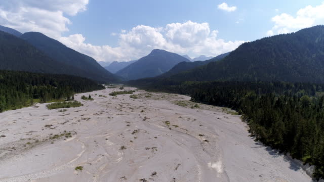 dessicated riverbed in summer - bavarian alps stock videos & royalty-free footage