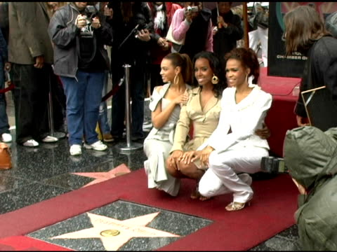 vidéos et rushes de destiny's child at the dedication of destiny's child's star on walk of fame at hollywood boulevard in hollywood california on march 28 2006 - hollywood boulevard