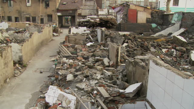 destroyed buildings in shanghai china - 荒廃した点の映像素材/bロール