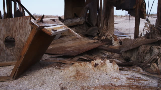destroyed houses in california desert - imperfection stock videos & royalty-free footage