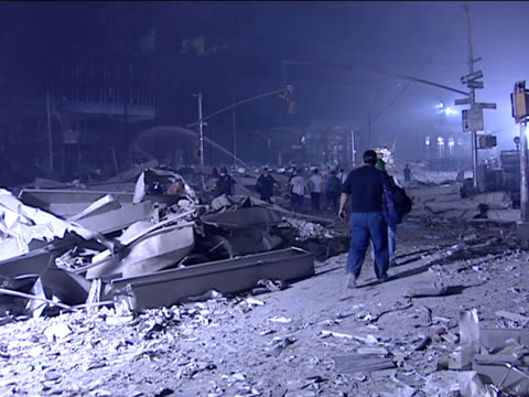 stockvideo's en b-roll-footage met destruction at the world trade center the night of the 9/11 terrorist attack on september 12 2001 in new york new york - puin