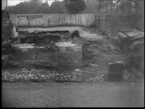 vídeos de stock e filmes b-roll de destruction in poland - 1939
