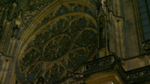 cu zo ms la detail of st. vitus cathedral / prague, czech republic - 聖ヴィート大聖堂点の映像素材/bロール