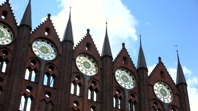 detail of the townhall of stralsund, mecklenburg-western pomerania, germany - circa 13th century stock videos & royalty-free footage
