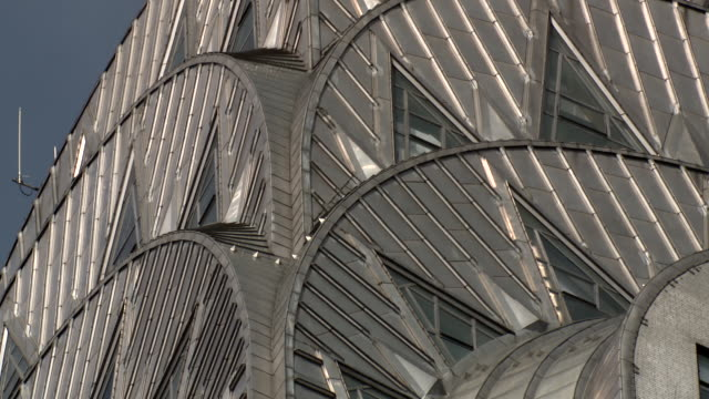 cu detail shoot of the tower of the chrysler building in manhattan - chrysler building stock videos & royalty-free footage