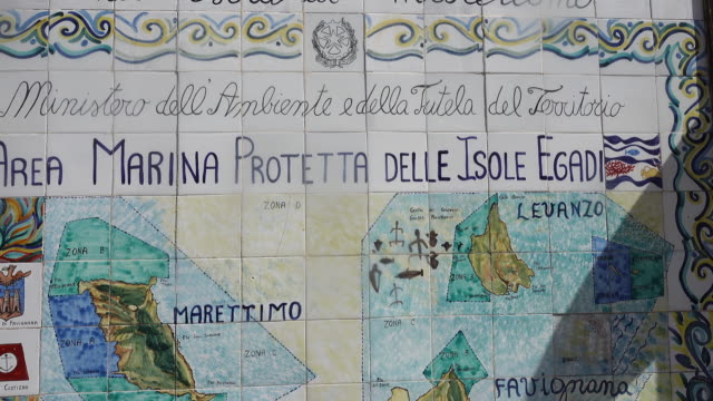 detail shot of an italian tile fresco of marettimo - direzione video stock e b–roll
