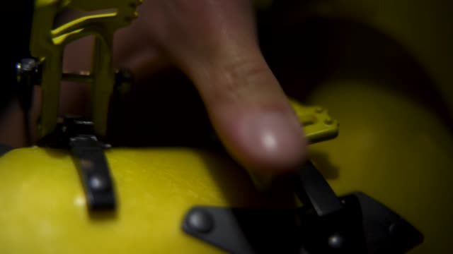 details of a skier latching their boots - sci sci e snowboard video stock e b–roll