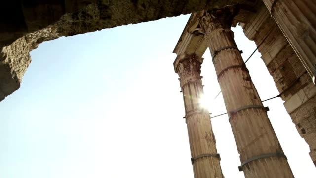 dettagli di capitols al foro romano - temple building video stock e b–roll