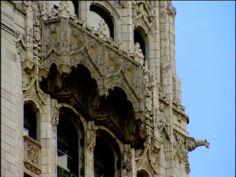 details on exterior of woolworth building manhattan - woolworth building stock videos & royalty-free footage