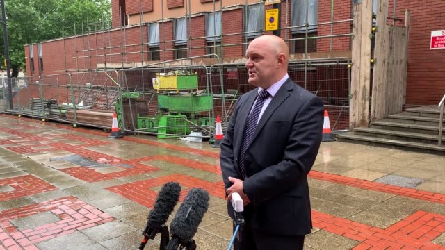 detective chief inspector marc bowes gives a statement outside leeds crown court as two teenagers were sentenced for hacking a factory supervisor to... - samurai stock videos & royalty-free footage