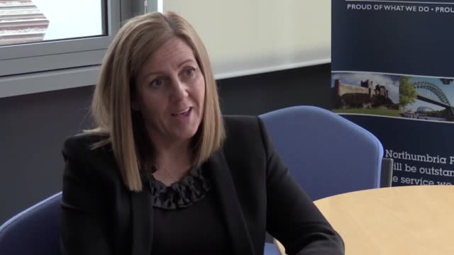 vidéos et rushes de detective chief superintendent lisa orchard of northumbria police speaks about the sentencing of john henry sayers michael mcdougall and michael... - nord est de l'angleterre